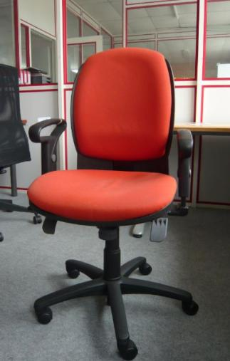 Fauteuil orange d'occasion
